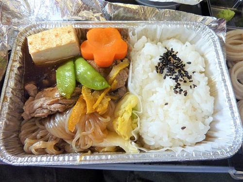 機内食(すき焼き)