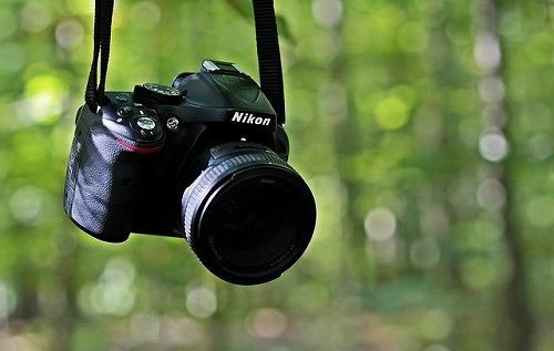 NIKON社の一眼レフカメラ