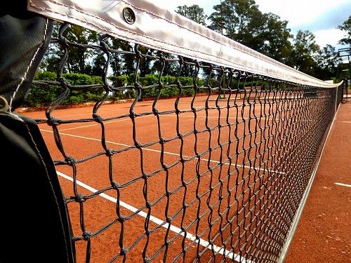 テニスコートのネット