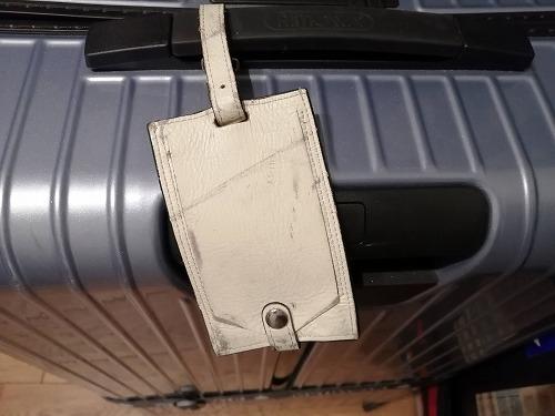 スーツケースのネームタグ