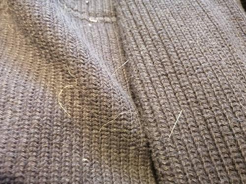 ネコ毛がついたセーター