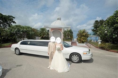 グアムでの結婚式(リムジンカーでの移動)