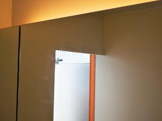 洗面室の鏡(掃除後)