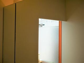 洗面室の鏡(掃除前)